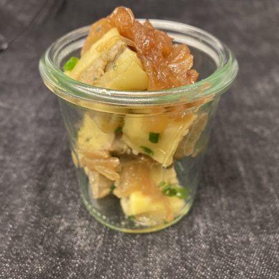 Lauwarmer Maultaschensalat im Weckglas